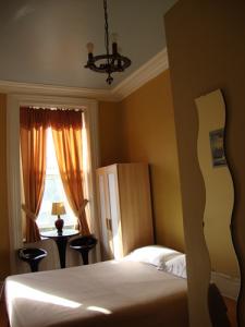 Hotels & Suites Place des Arts